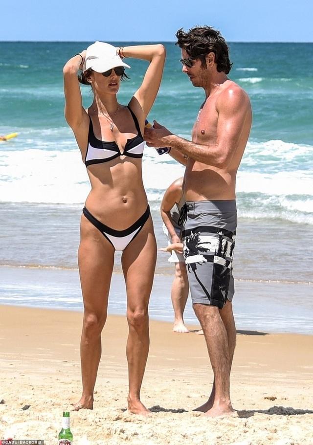 Alessandra Ambrosio quyến rũ bên bạn trai - Ảnh 11.