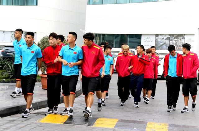 Đội tuyển Việt Nam thư giãn sau hành trình dài tới Qatar - Ảnh 2.