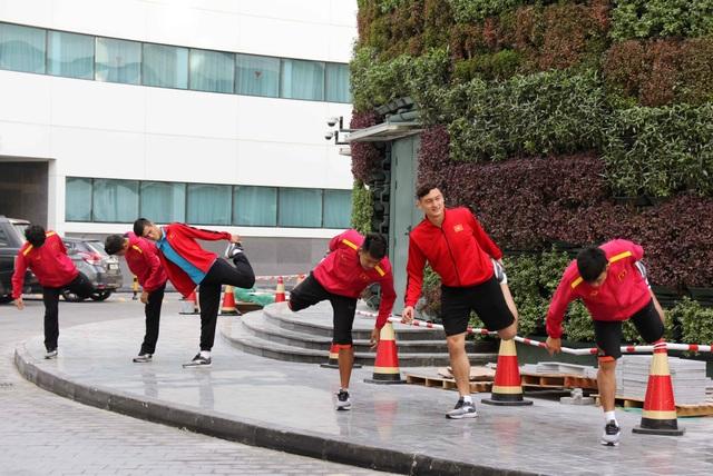 Đội tuyển Việt Nam thư giãn sau hành trình dài tới Qatar - Ảnh 10.