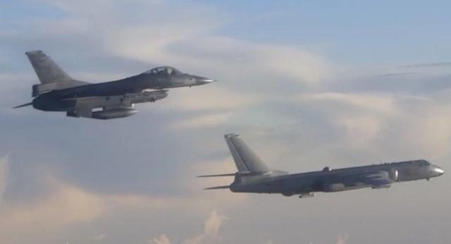 Trung Quốc gửi cảnh báo thống nhất hoặc là chết tới Đài Loan - Ảnh 1.
