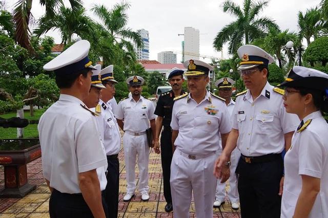 Phó Tham mưu trưởng Hải quân Ấn Độ thăm Học viện Hải quân Việt Nam - Ảnh 1.