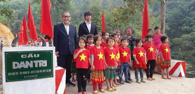 Náo nức niềm vui ngày khánh thành công trình cầu Dân trí thứ 15 tại Hà Giang - Ảnh 12.