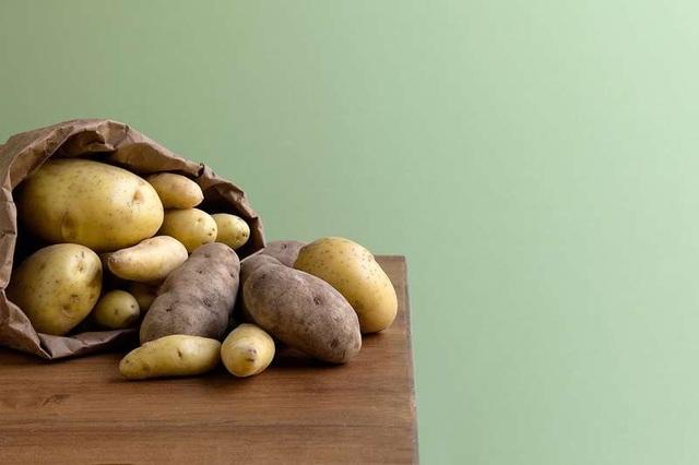 Đồ ăn chứa tinh bột làm giảm phản ứng tự miễn ở người bị lupus - Ảnh 1.