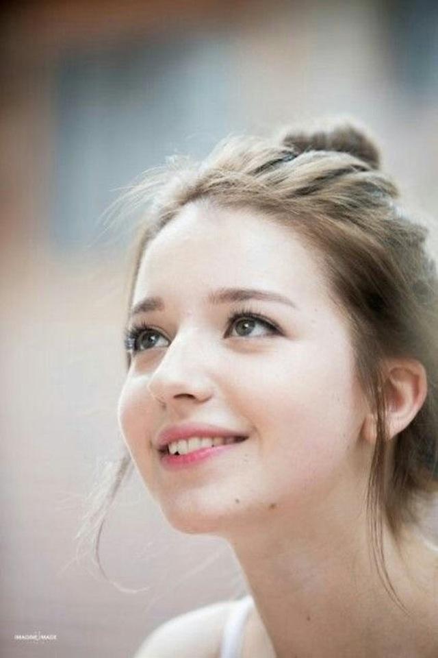 3 cô gái Đông Âu đẹp như tiên giáng thế khiến thanh niên châu Á mê mệt - Ảnh 1.