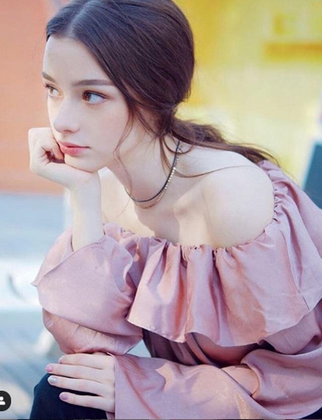3 cô gái Đông Âu đẹp như tiên giáng thế khiến thanh niên châu Á mê mệt - Ảnh 13.
