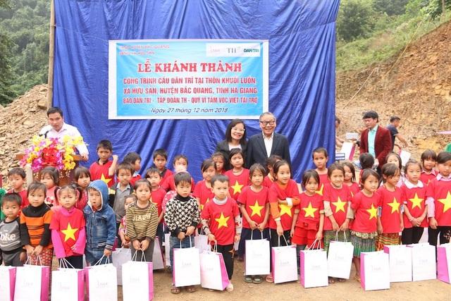 Náo nức niềm vui ngày khánh thành công trình cầu Dân trí thứ 15 tại Hà Giang - Ảnh 6.