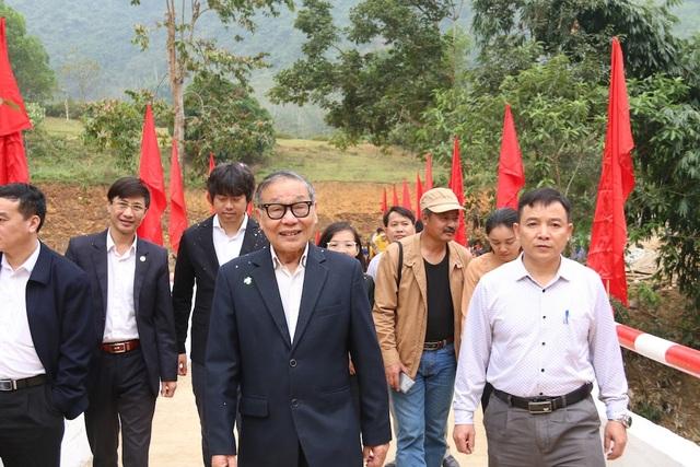 Náo nức niềm vui ngày khánh thành công trình cầu Dân trí thứ 15 tại Hà Giang - Ảnh 5.