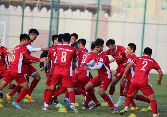Đội tuyển Việt Nam rèn miếng đánh trong buổi tập đầu tiên ở Qatar - Ảnh 18.