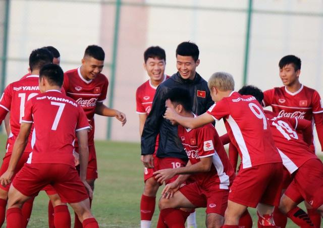 Đội tuyển Việt Nam rèn miếng đánh trong buổi tập đầu tiên ở Qatar - Ảnh 15.