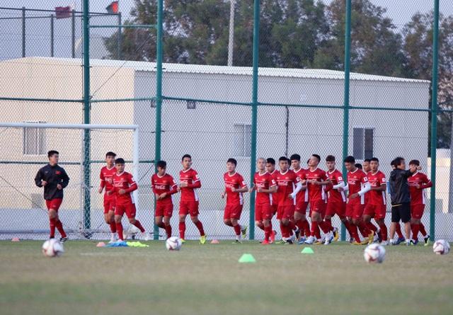 Đội tuyển Việt Nam rèn miếng đánh trong buổi tập đầu tiên ở Qatar - Ảnh 11.