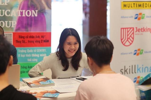 Học sinh ngày càng tìm hiểu du học từ sớm, đi du học từ đầu cấp III - Ảnh 2.