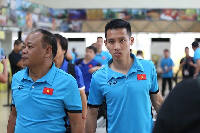 Đội tuyển Việt Nam về nước, chờ đấu Philippines ở Mỹ Đình - 15