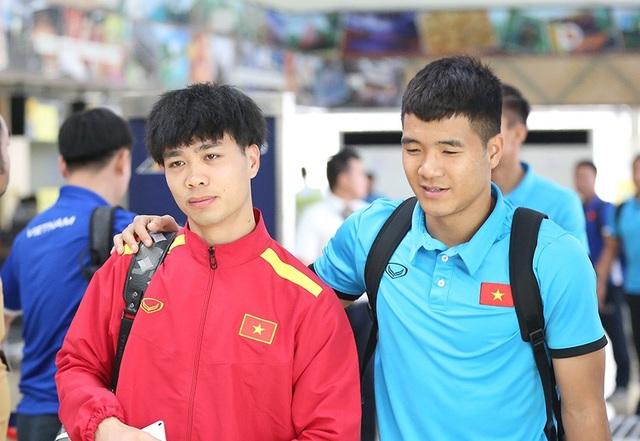 Đội tuyển Việt Nam về nước, chờ đấu Philippines ở Mỹ Đình - 10