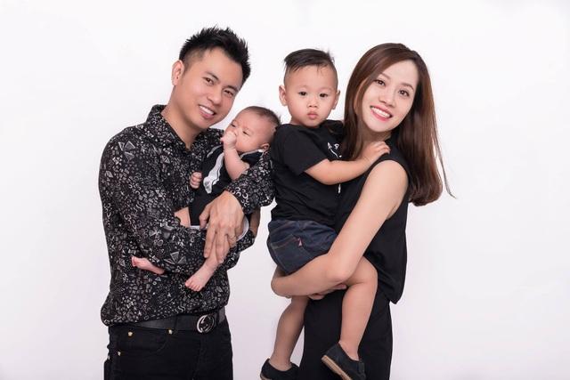 Gia đình hạnh phúc của Dương Cầm.