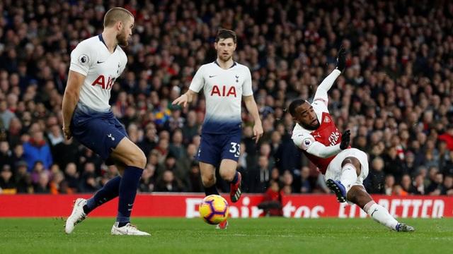 Các cầu thủ phòng ngự của Tottenham mắc quá nhiều sai lầm