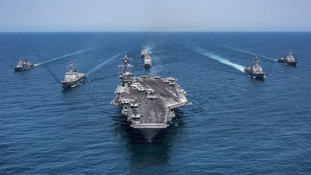 Tàu sân bay Mỹ và các tàu hộ tống. (Ảnh minh họa: Military)