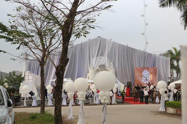 Đám cưới được tổ chức trên khu đất rộng trên 2.000m2