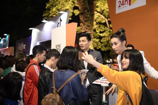 Các BTV nhà đài thu hút được sự chú ý của khán giả đến phút cuối chương trình.