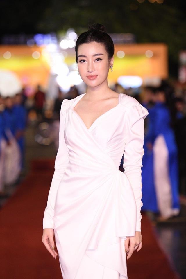 Hoa hậu Đỗ Mỹ Linh rất hào hứng với công việc mới tại VTV.