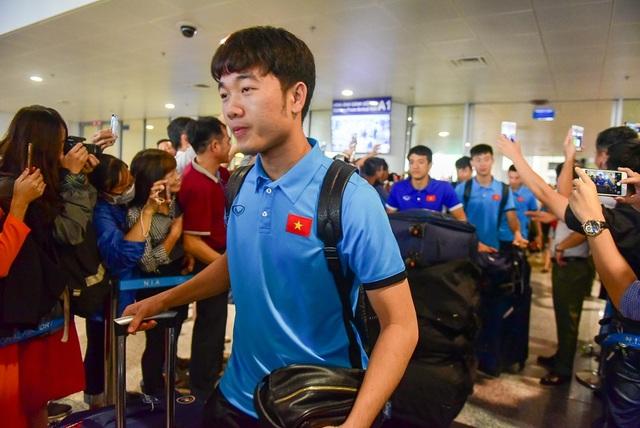 Đội tuyển Việt Nam rạng rỡ trở về sau chiến thắng trước Philippines - 4