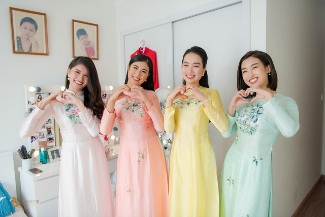 Các người đẹp đều mặc áo dài thiết kế của Ngọc Hân trong ngày Thanh Tú lên xe hoa.