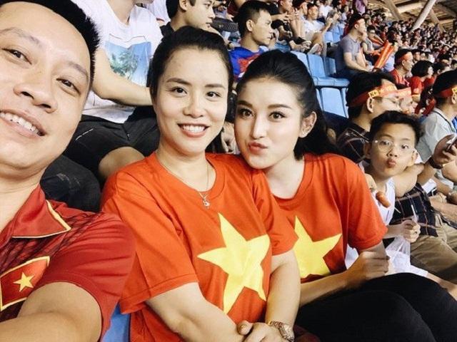 Á hậu Huyền My là fan nhiệt thành của đội tuyển Việt Nam.