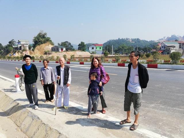 4 hộ gia đình vẫn chưa nhân được tiền đền bù từ phía Công ty TNHH BOT Quốc lộ 6 Hòa Lạc - Hòa Bình.