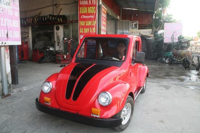 Chiếc xe ô tô chạy bằng năng lượng mặt trời do cậu học trò Ngô Việt Cường lắp ráp.