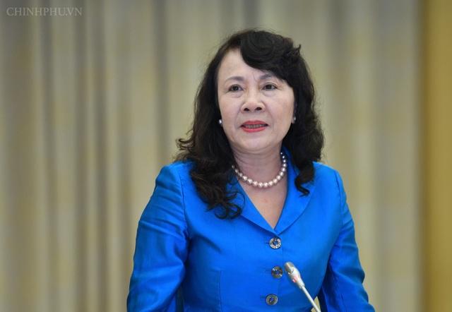 Thứ trưởng Bộ GD-ĐT Nguyễn Thị Nghĩa trả lời các câu hỏi về lĩnh vực giáo dục tại cuộc họp báo tối 3/12.
