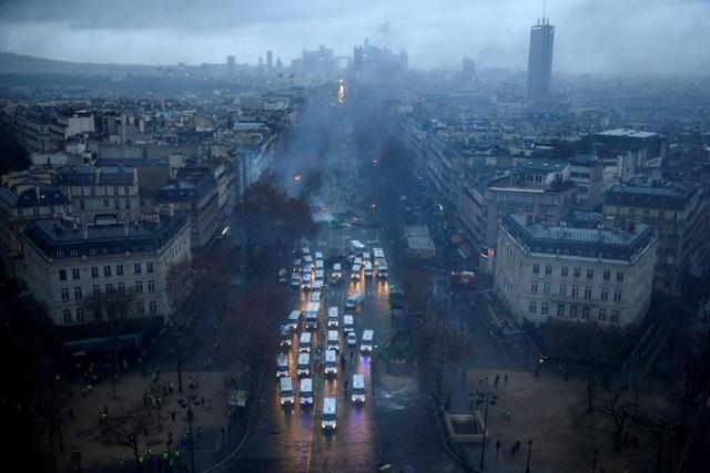Trên cả nước Pháp, ước tính khoảng 75.000 người đã tham gia vào các cuộc biểu tình.