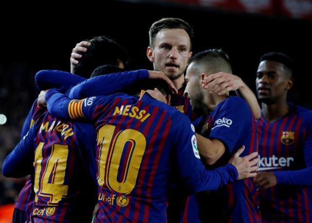 Barcelona có chiến thắng quan trọng trước Villarreal để giành lại ngôi đầu bảng La Liga