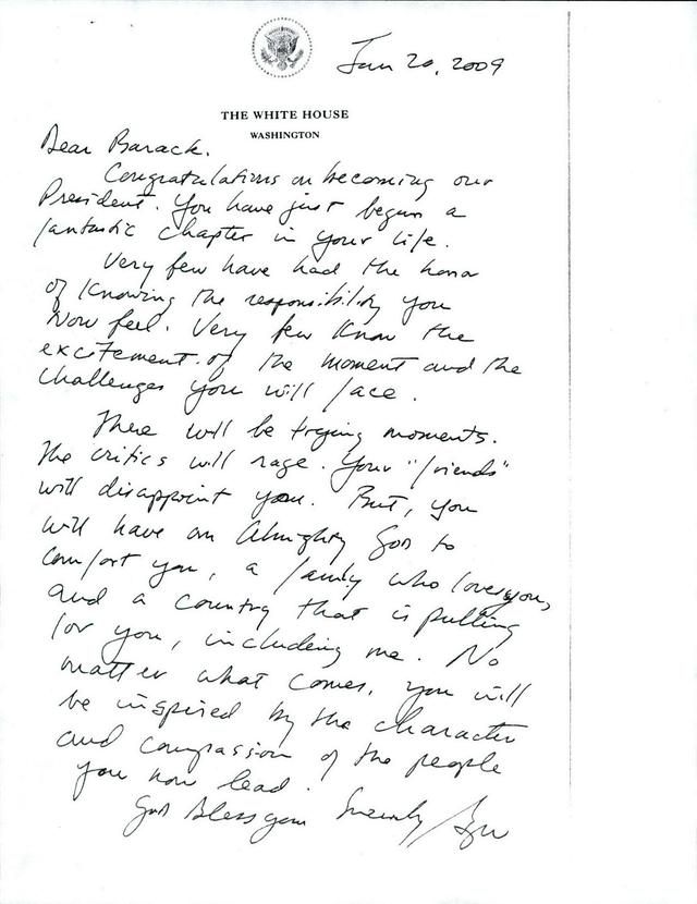 Bức thư gửi cựu Tổng thống Obama do người tiền nhiệm George Bush viết năm 2009. (Ảnh: NYT)