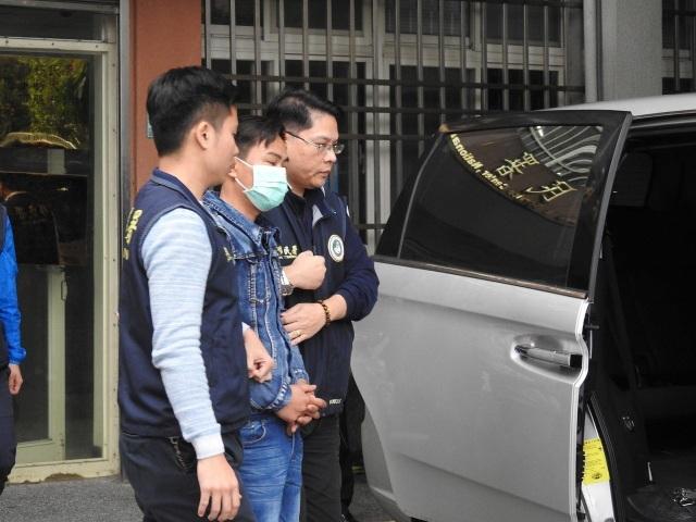 Giới chức Đài Loan bắt một du khách Việt Nam bỏ đoàn (Ảnh: UDN)