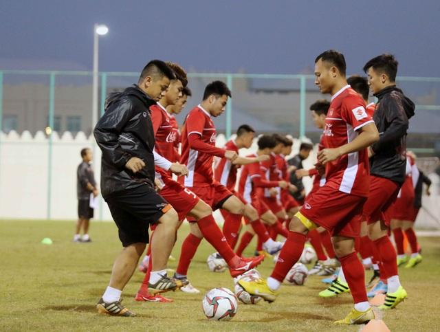 Đội tuyển Việt Nam tăng khối lượng tập luyện tại Qatar - Ảnh 15.