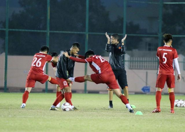 Đội tuyển Việt Nam tăng khối lượng tập luyện tại Qatar - Ảnh 12.