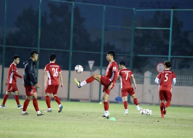 Đội tuyển Việt Nam tăng khối lượng tập luyện tại Qatar - Ảnh 11.