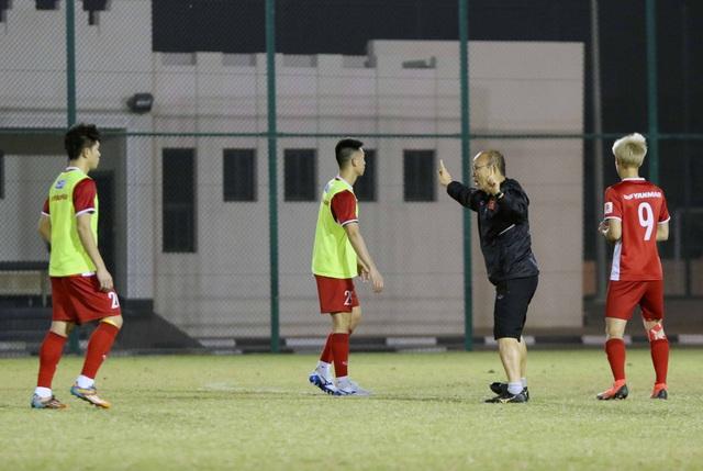 Đội tuyển Việt Nam tăng khối lượng tập luyện tại Qatar - Ảnh 7.