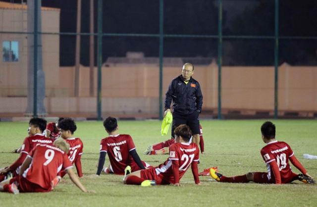 Đội tuyển Việt Nam tăng khối lượng tập luyện tại Qatar - Ảnh 3.