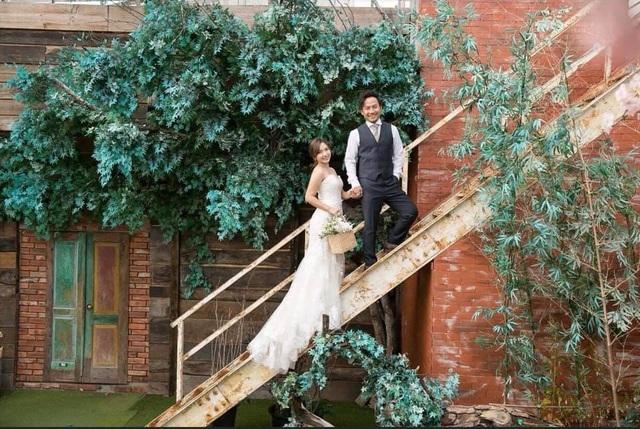 Đám cưới của Tiến Đạt cùng bạn gái 9X nhận được nhiều lời chúc phúc từ đồng nghiệp và khán giả.