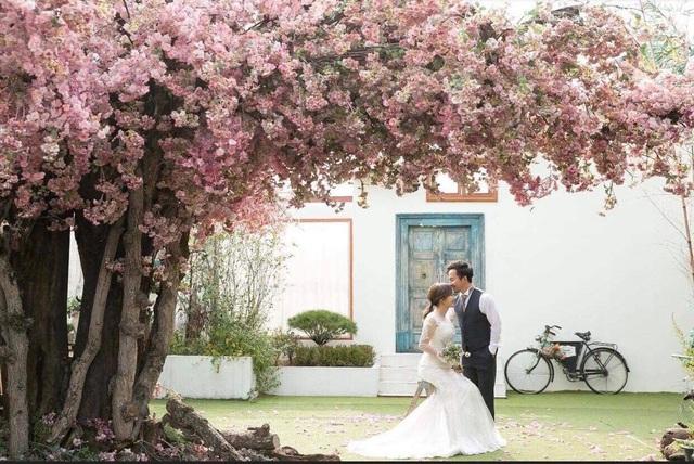 Được biết, Tiến Đạt đã sang Hàn Quốc để chụp ảnh cưới cùng vợ