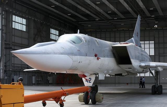 Máy bay ném bom chiến lược Tupolev Tu-22M3M (TASS)