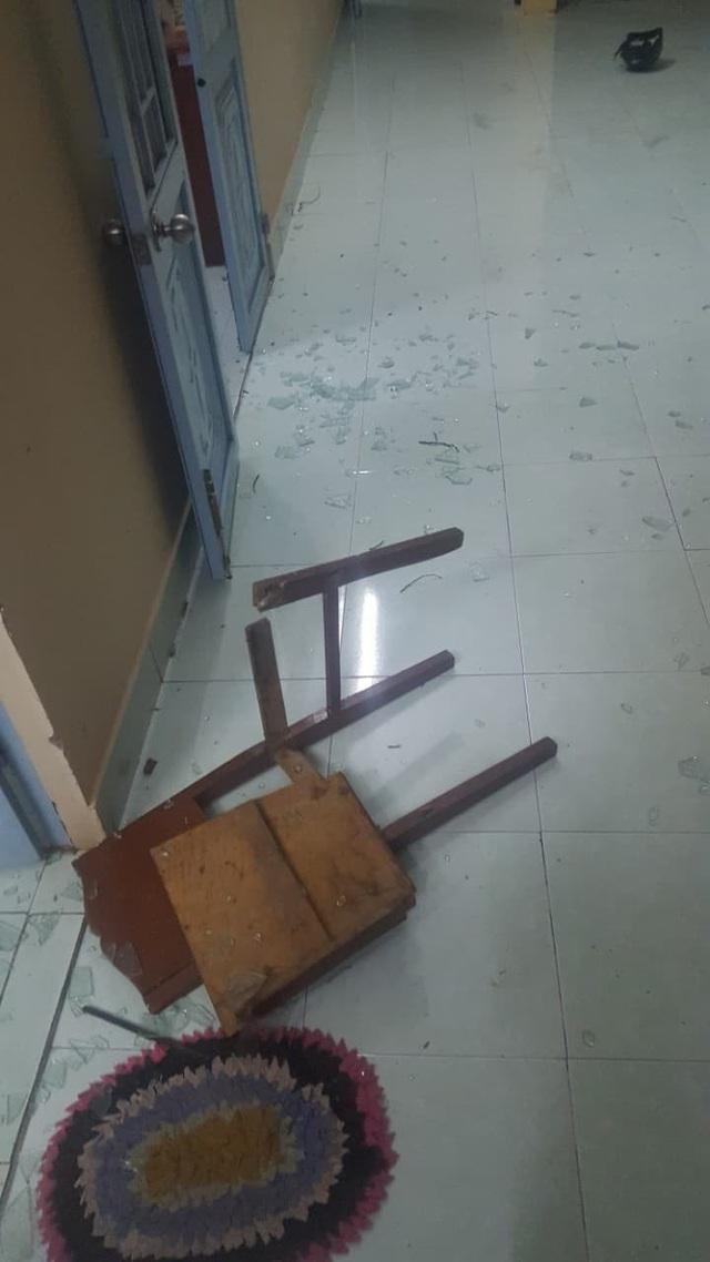 Hiện trường vụ đập phá tại trụ sở BCHQS xã Long An