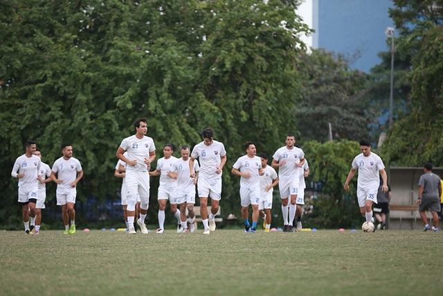 Tới Mỹ Đình, Philippines chỉ có 16 cầu thủ ra sân tập - 3