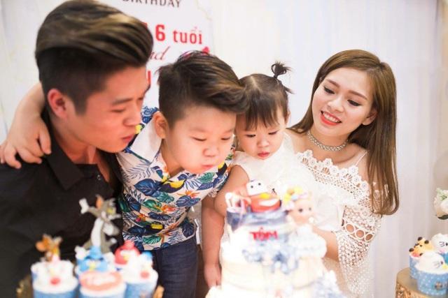 Gia đình hạnh phúc của Tuấn Anh và Thúy Trà