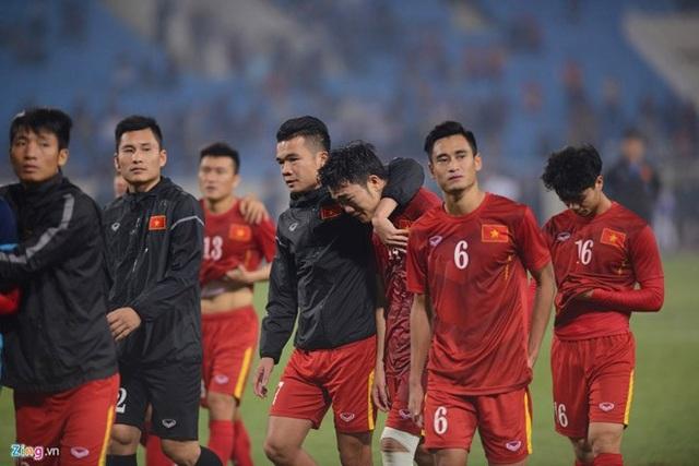 Tuyển Việt Nam bị loại khỏi AFF Cup 2016 sau trận hòa ở Mỹ Đình