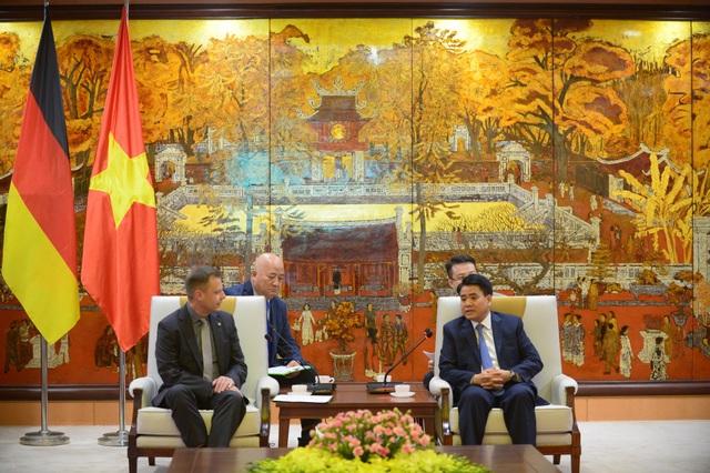 Chủ tịch UBND TP Hà Nội, ông Nguyễn Đức Chung tiếp ngài thị trưởng Đức