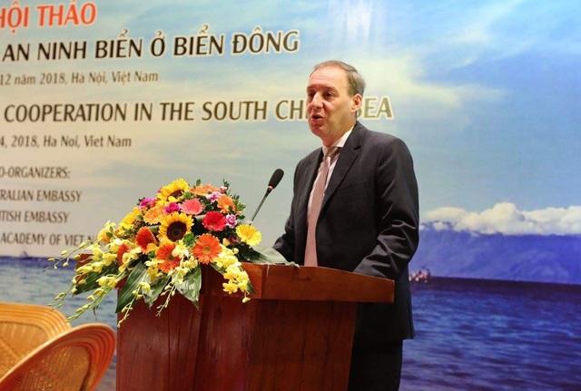 Phó đại sứ Anh tại Việt Nam Steph Lysaght (Ảnh: ĐSQ Anh tại Việt Nam)