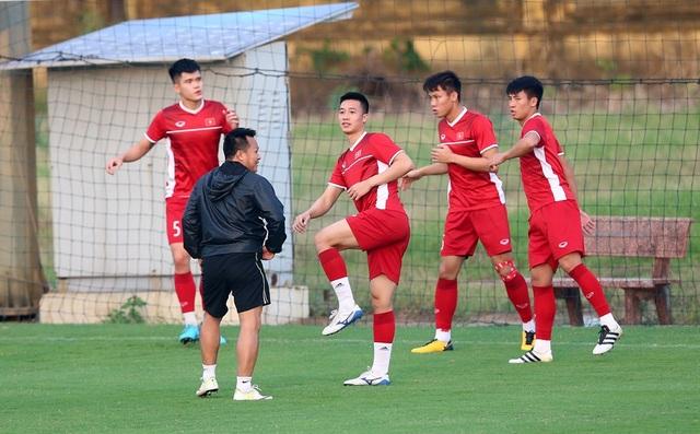 Huy Hùng chia sẻ đội tuyển Việt Nam không xem thường Philippines