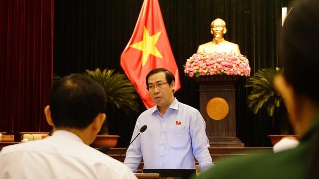 Đại biểu Lê Minh Đức cho rằng giá đền bù giải phóng mặt bằng thấp cũng là nguyên nhân khiến các dự án chậm tiến độ