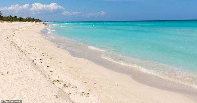 10 bãi biển đẹp nhất thế giới năm 2018 - 10